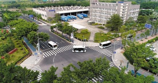 智能系统深圳首发 无人驾驶公交迈出关键一步