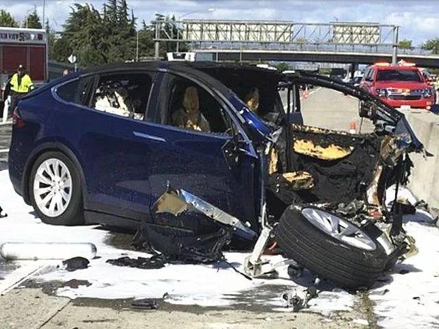 特斯拉美国车祸再致命 事发时车辆自动驾驶