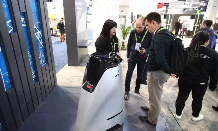 美团首次展现无人配送链条,发布末端配送机器人