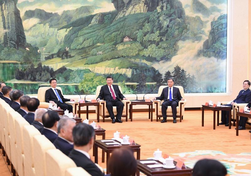 1月28日,习近平、汪洋、韩正等在北京人民大会堂同党外人士欢聚一堂,共迎佳节。新华社记者 燕雁 摄