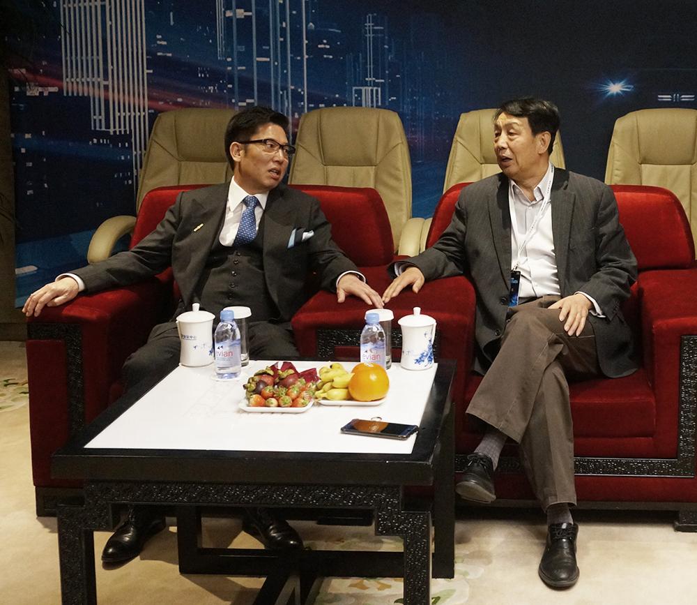 中国卫星导航定位协会于贤成会长一行应邀出席北斗航天新能源汽车发布会