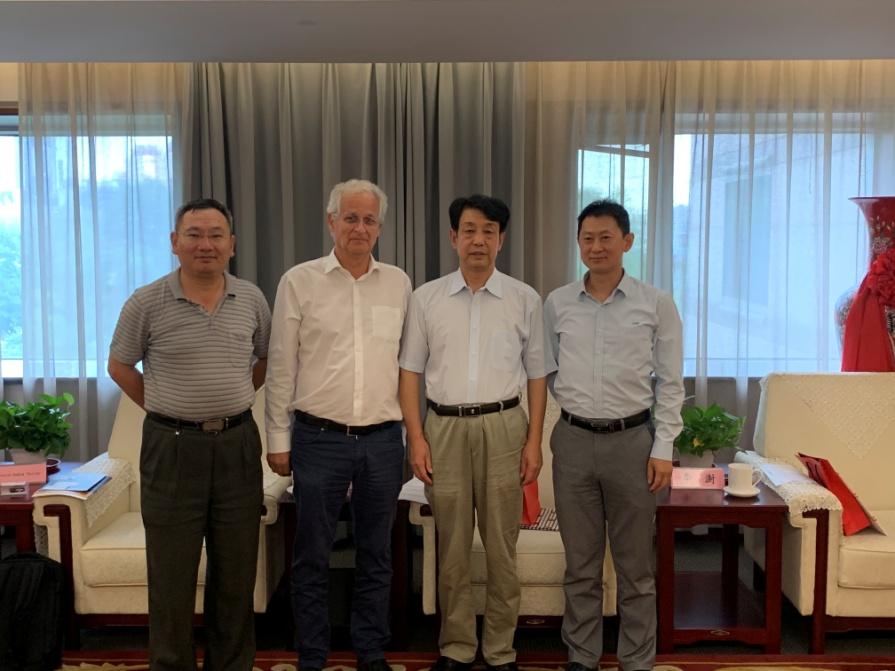 中位协会长于贤成会见瑞士空间技术协会会长一行